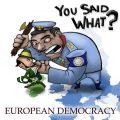 democratia pumnului in gura